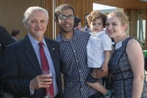 Dr. Molina con Prof. McNeill y su familia en May 2014.